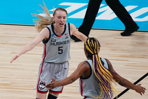 Ex-Hopkins star Bueckers wins AP women's basketball player of year
