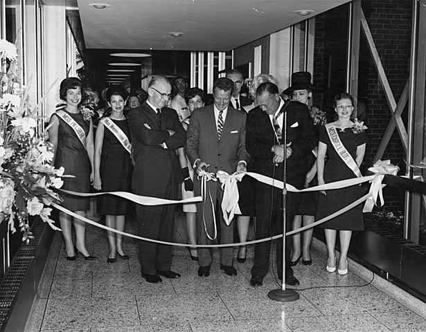 Skyway advocates Leslie C. Park and Edward F. Baker were on hand as the Northstar Center and Northwestern National Bank were first connected by skyway in 1962.