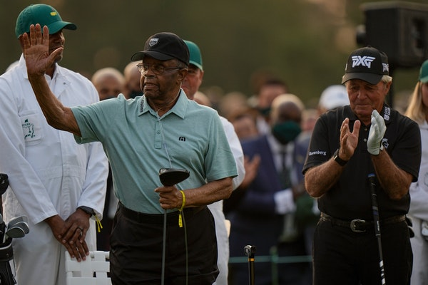 Souhan: Seeking to overcome its history, Masters opens by honoring Lee Elder