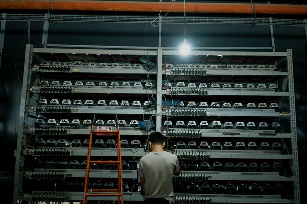 Li Shuangsheng, works at Bitmain, a Bitcoin farm in Dalad Banner, Mongolia, Aug. 11, 2017. According to an estimate backed up by independent researche
