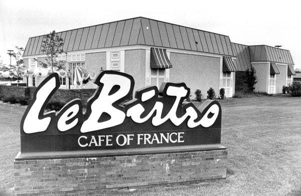 The Burnsville outpost of Le Bistro featured live music and dancing in 1981.