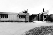This 1970 home in Minnetonka was designed by architect Arthur Dickey. (Pictured soon after it was completed).
