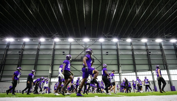 Vikings players say 'many of us' won't attend offseason workouts