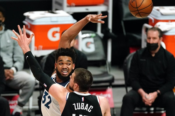 Wolves center Karl-Anthony Towns scored 16 points against the Clippers on Sunday, his lowest point total since March 14.