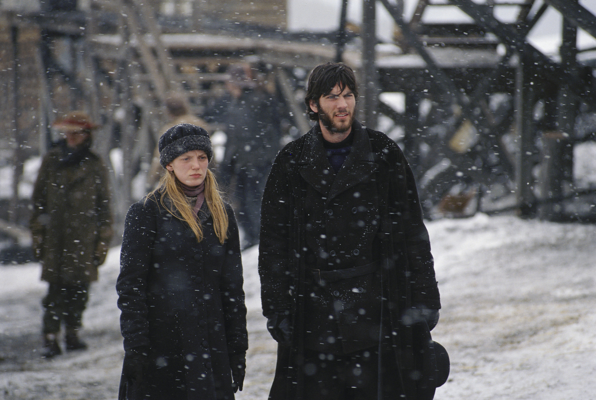 Sarah Polley and Wes Bentley star in 'The Claim.'