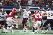 Texas A&M Aggies quarterback Kellen Mond (11) makes a pass to Quartney Davis for a touchdown during the first half of a NCAA football game between Tex
