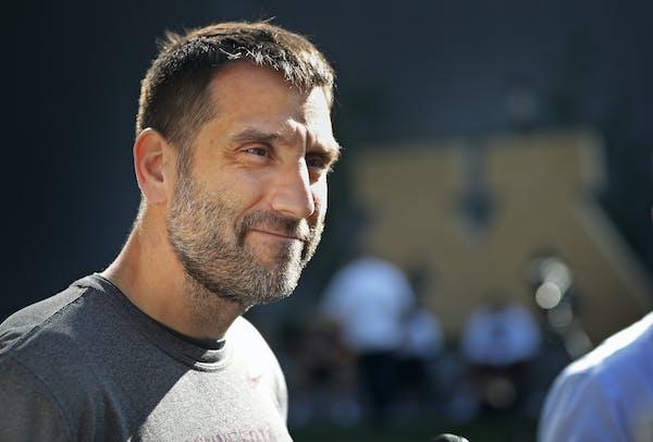Gophers defensive coordinator Joe Rossi