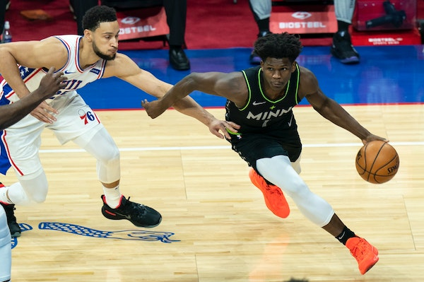 Anthony Edwards is having a spectacular season, but it might not be enough to win rookie of the year honors over Charlotte's ballhandling wizard LaM