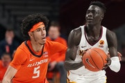Minnesota guard Both Gach looked to take a shot as Illinois guard Andre Curbelo raced to defend