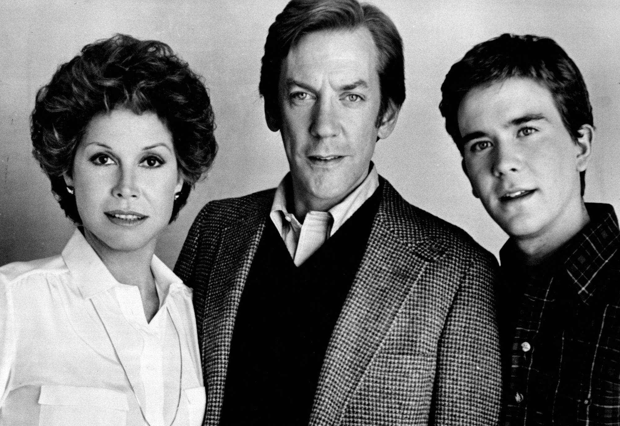 Mary Tyler Moore, Donald Sutherland and Timothy Hutton are challenged when a family tragedy changes their lives forever in 'Ordinary People.'