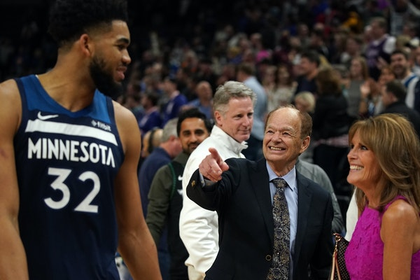 Lore says negotiations with Taylor for Wolves, Lynx 'getting close to the finish line'