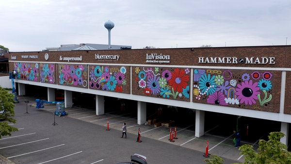 Time-lapse: The Galleria in Edina gets a floral wrap