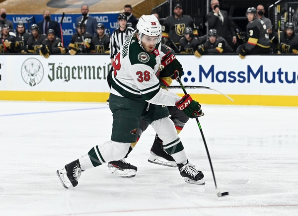 Ryan Hartman, who was stymied time and again by Golden Knights goalie Marc-Andre Fleury on Sunday, said he figured it would take something like a tipp