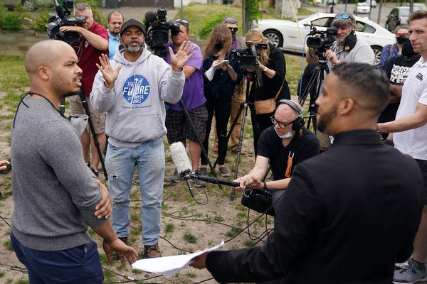 The Rev. Jerry McAfee of the New Salem Baptist Church interrupted a news conference held Tuesday by Minneapolis City Council Members Phillipe Cunningh