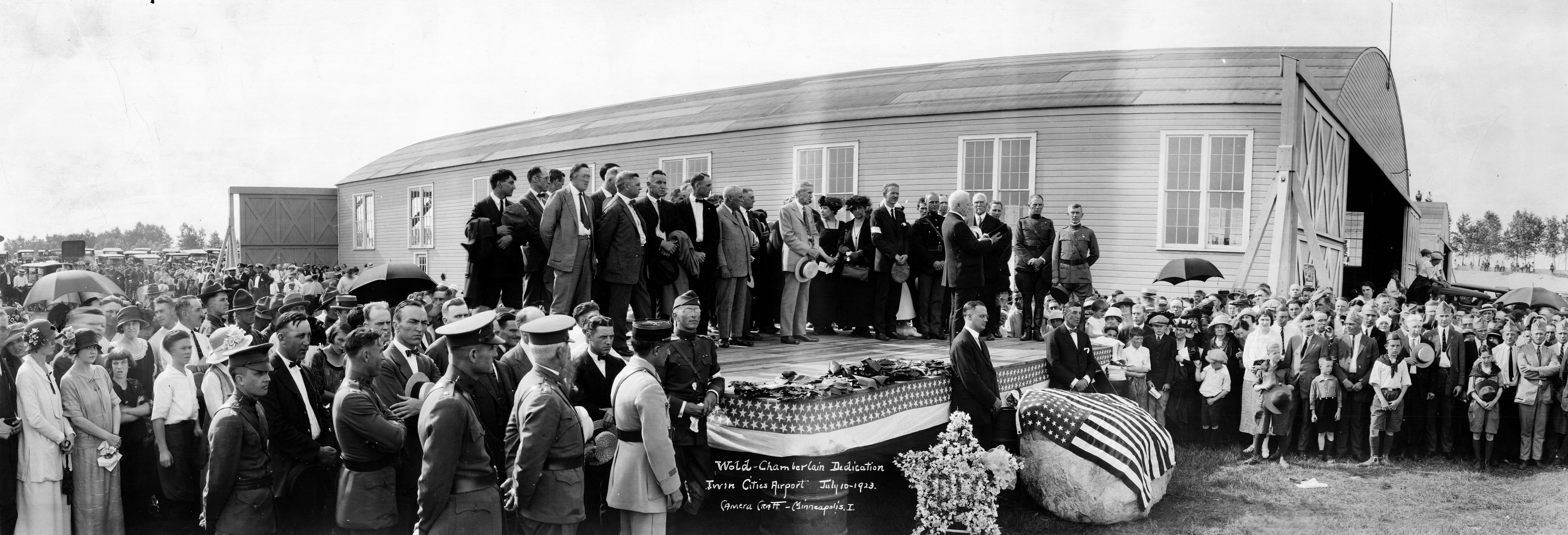 A large crowd assembled for the dedication of Wold-Chamberlain Field in 1923.