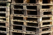 Minnesota pallet manufacturers can't keep up with demand. Meanwhile, prices have doubled recently as lumber shortages hit the industry.