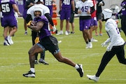 Vikings tight end Irv Smith Jr. ran with the ball during Wednesday's offseason workout.