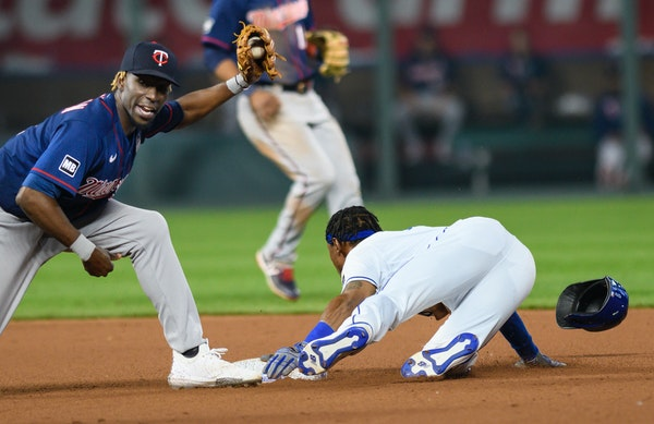 One play with two errors sends stumbling Twins to third straight loss