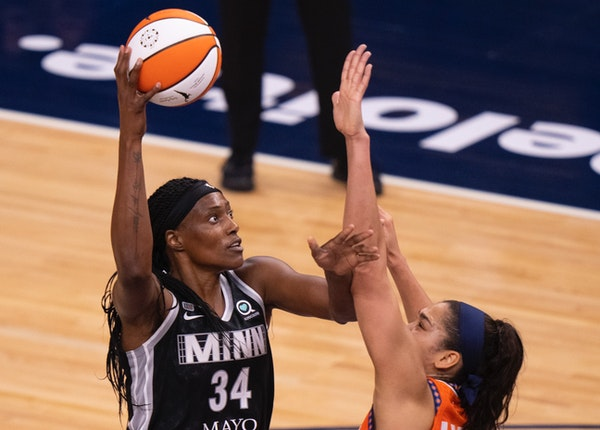 Lynx center Sylvia Fowles is a career 59.3% shooter. That's why coach Cheryl Reeve tells players to get the ball to the veteran.