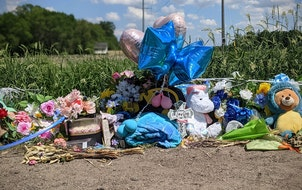 A memorial sits at the site in south St. Cloud where Keisa Marie Lange's deceased body was found on June 3.