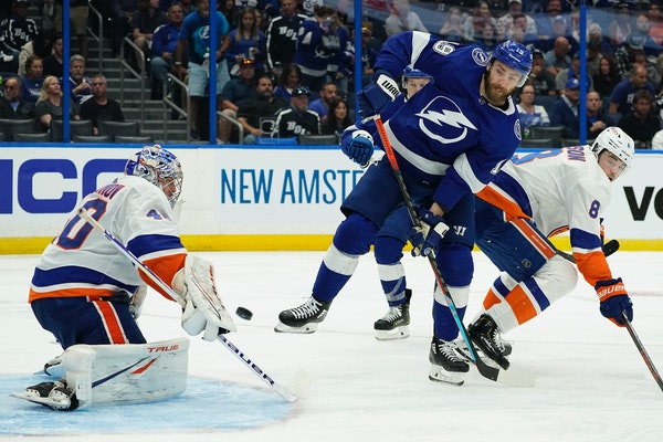 Islanders goaltender Semyon Varlamov stopped a deflection by Lightning right winger Barclay Goodrow (19) during the second period in Game 1 of a Stanl
