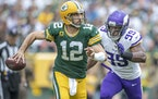 Danielle Hunter chased Aaron Rodgers when the Packers and Vikings played in 2019.