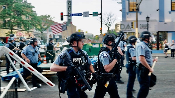 Minneapolis police clear Uptown protest zone
