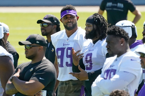 Podcast: Follow the Vikings money and a peeved Lynx coach Reeve