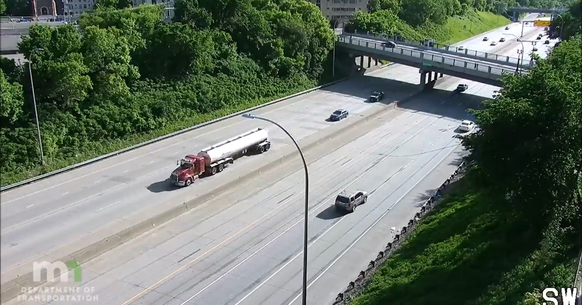 Video shows truck entering freeway, almost hitting protesters on I-35W bridge