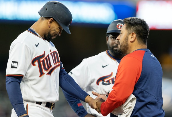 Buxton suffers broken finger, will be sidelined again for weeks