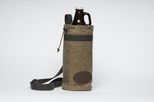 Growler carrier from Duluth's Frost River.