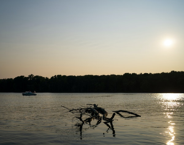 Mississippi River water levels are low, causing boaters to hit objects and damage their propellors and engines.
