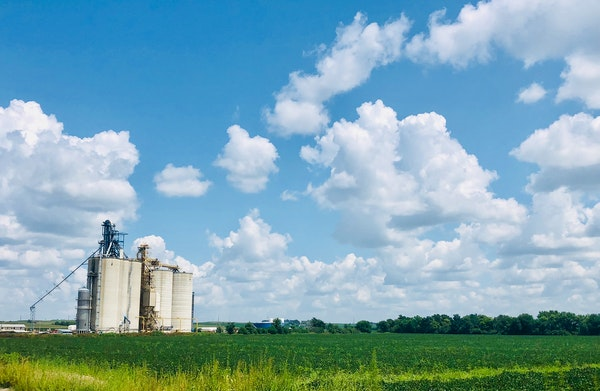 Grain farmers will meet with the officials from the Minnesota Department of Agriculture this week to discuss the effect of the bankruptcy of Fridley-b