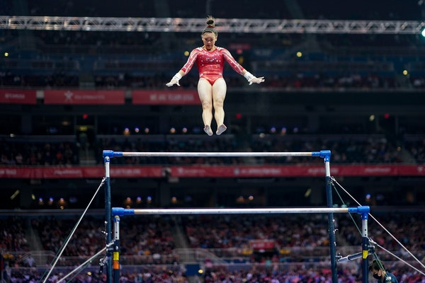 Suni Lee's ultra-difficult Olympics bar routine is 'as cool as it gets'