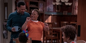 """Mike Epps, Kim Fields and Wanda Sykes in """"The Upshaws."""""""