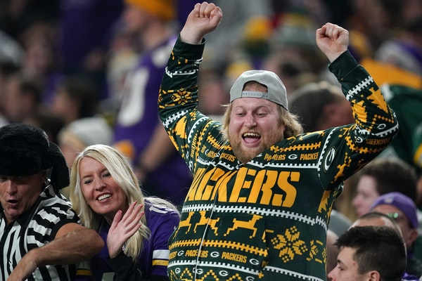 Green Bay Packers fans cheered from the stands in the fourth quarter. ] ANTHONY SOUFFLE • anthony.souffle@startribune.com   The Minnesota Vikings