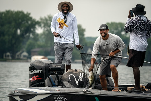 Straight bass, homie: Fishing fables match Sid tales at Moss' fundraiser