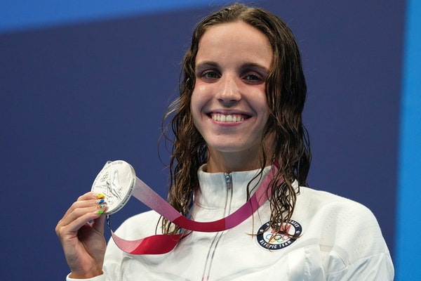 Regan Smith of the United States poses with her silver medal after the women's 200-meter butterfly final at the 2020 Summer Olympics