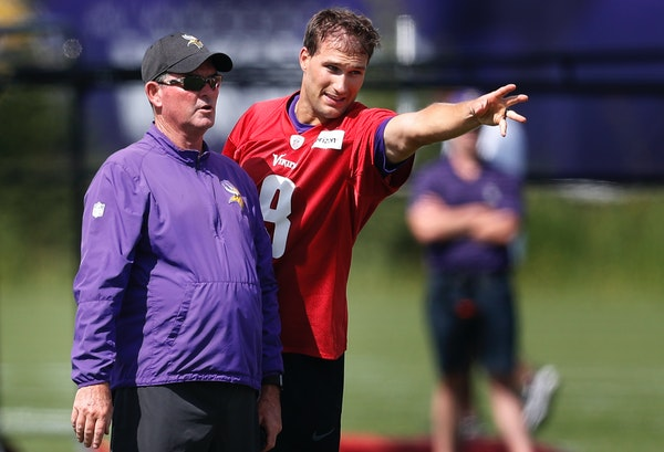 Kirk Cousins' vaccination status is a nightmare for Mike Zimmer