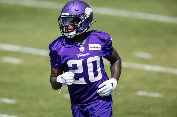 Vikings release Gladney after indictment on domestic violence charge