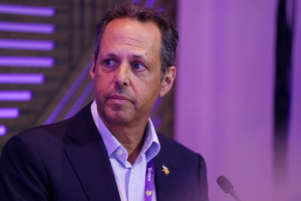 Vikings owner Mark Wilf adds his voice to vaccination push for players