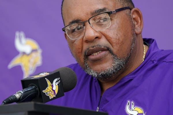 Vikings co-defensive coordinator Andre Patterson.