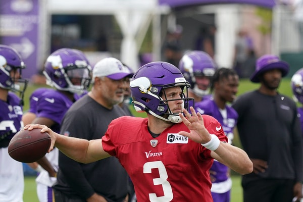 A curious mind: Browning's path to temporary Vikings starting QB