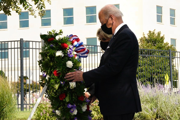 Bidens lay wreath to honor 9/11 victims