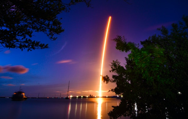 SpaceX launches 4 amateurs into earth orbit