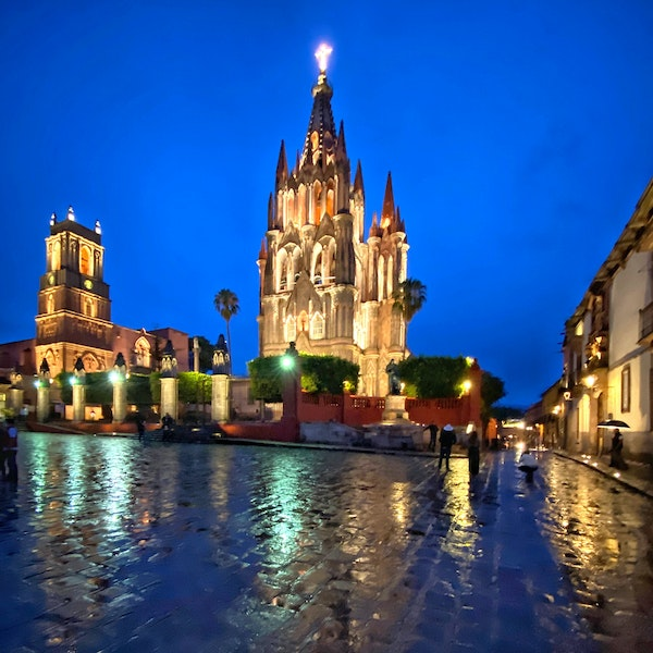 The picturesque and colorful San Miguel de Allende is in the heart of the Mexico and offers a glimpse into the country's rich history and culture.