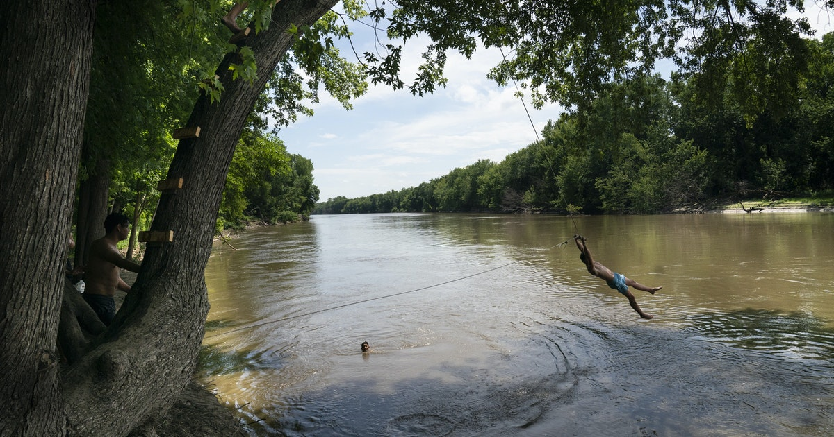Drought offers rare chance to study phosphorus pollution from Minnesota sewers