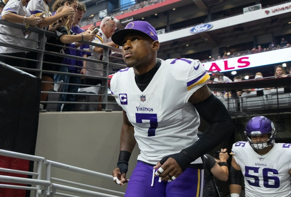 In Peterson's return to Arizona, big passing plays haunt Vikings