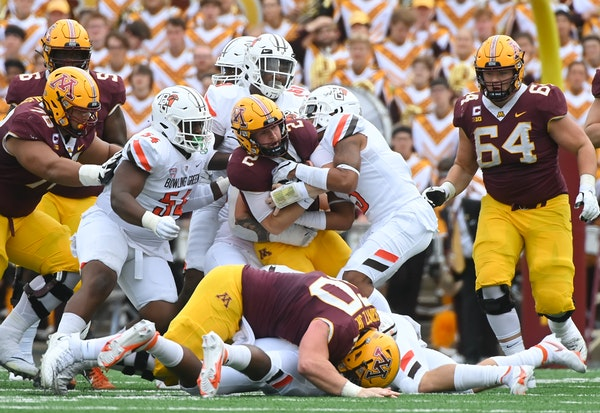 Final: Gophers give up stunning 14-10 loss to Bowling Green