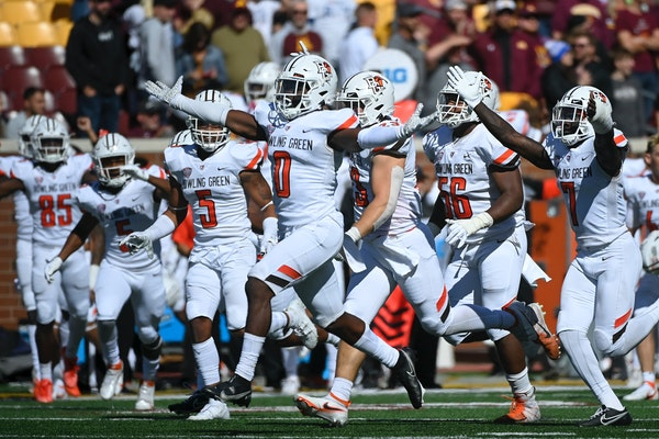 Bowling Green players celebrated Saturday.